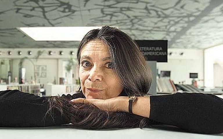 La colección de libros de Carmen Boullosa